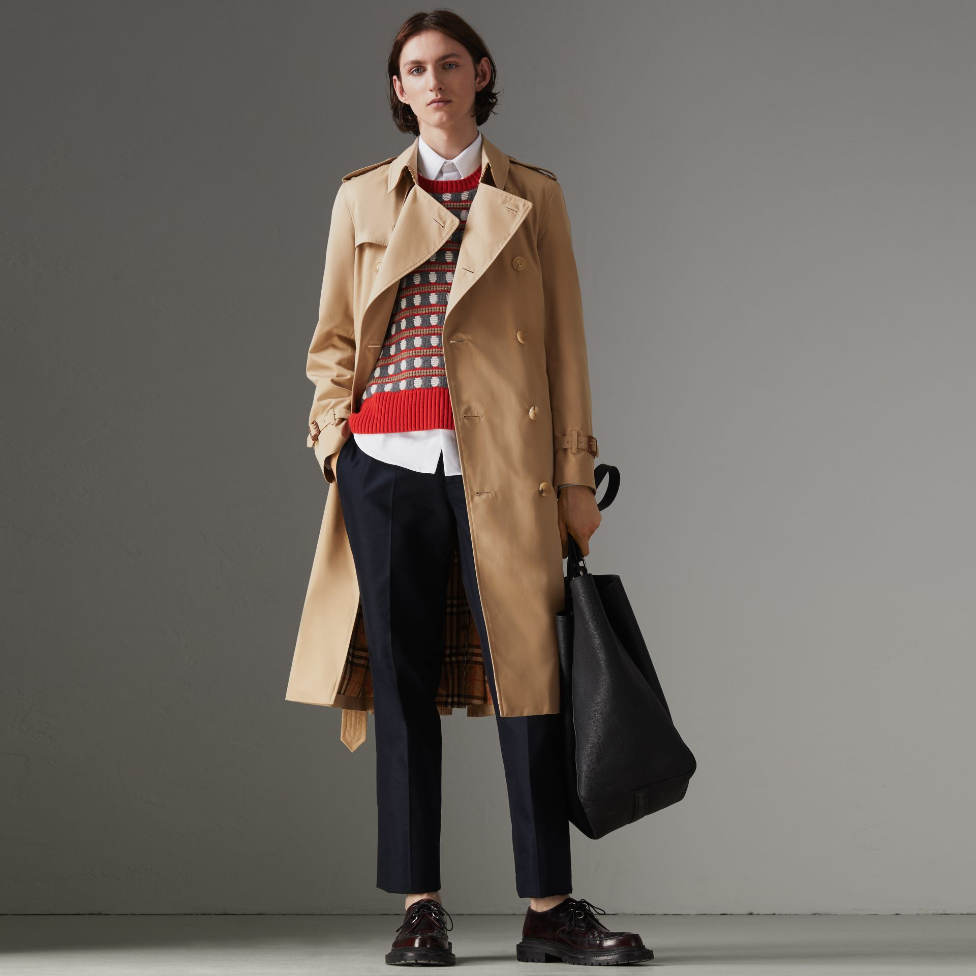 The Long Chelsea Heritage Trench Coat in Honey - Men | Burberry Australia - gallery image 0