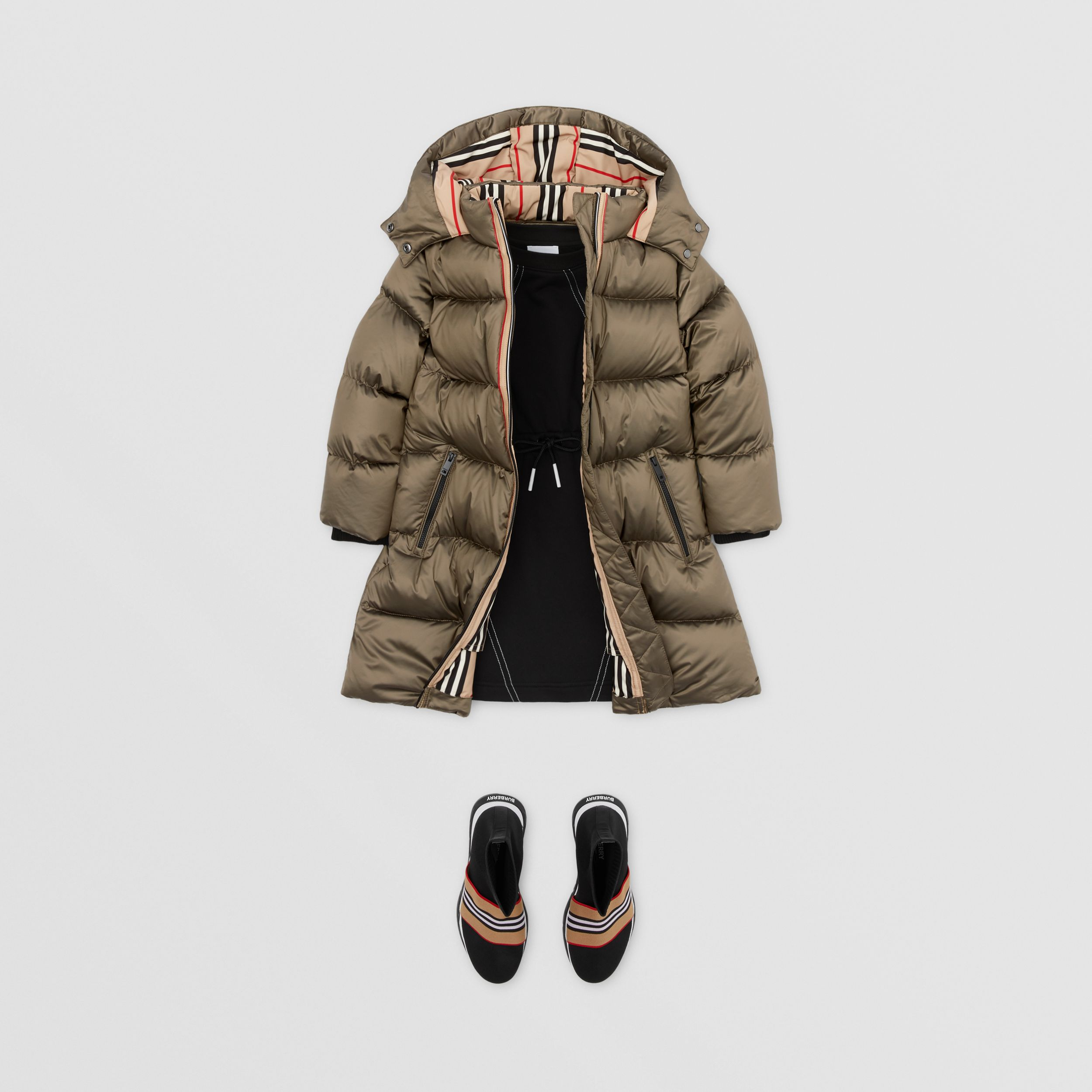 Icon Stripe Trim Hooded Puffer Coat in Smoke | Burberry - 3