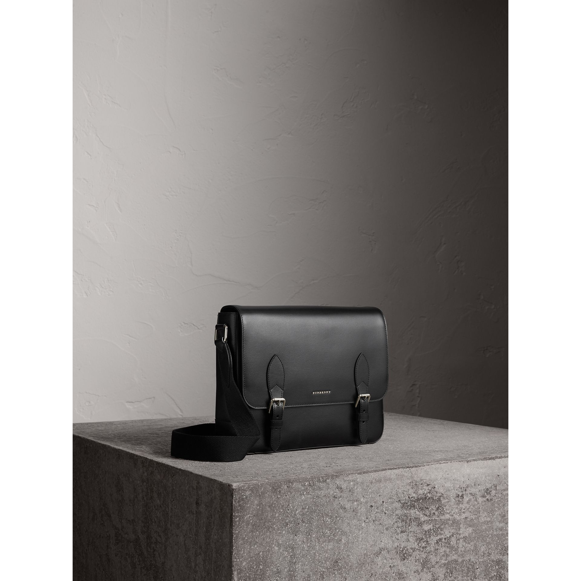 Medium London Leather Messenger Bag in Black - Men | Burberry - gallery image 7