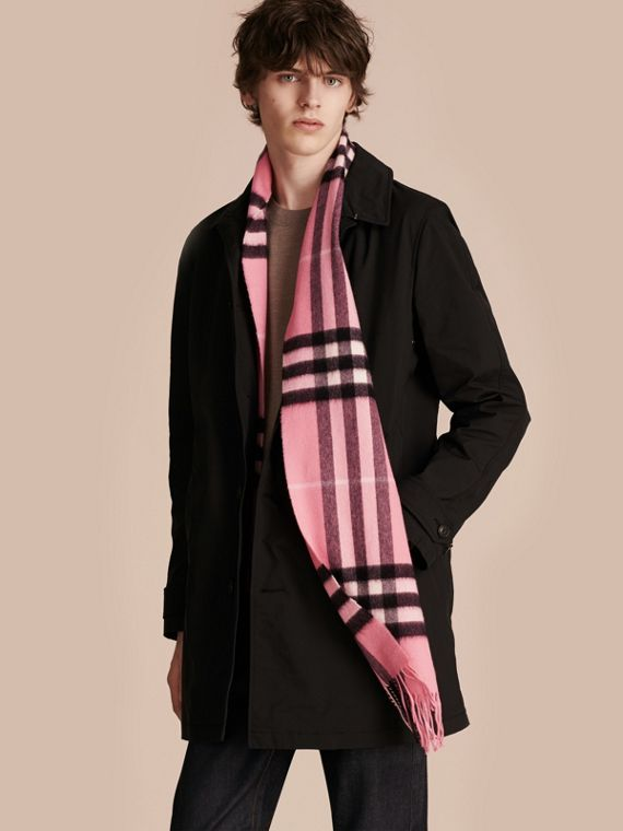 The Classic Cashmere Scarf in Check  Rose Pink - cell image 3