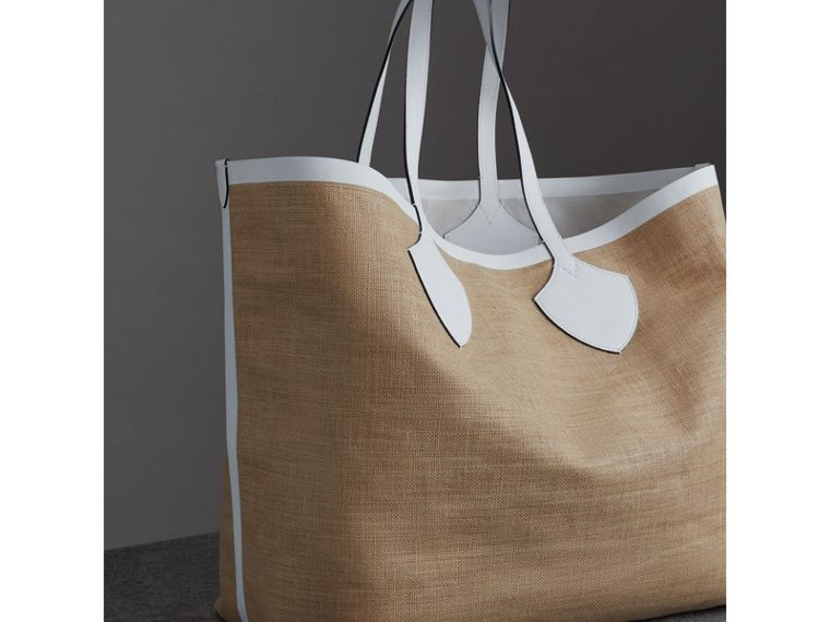 The Giant Tote in Logo Print Jute in Chalk White - Women | Burberry - cell image 4