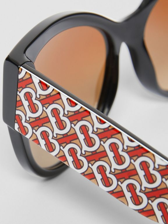 Monogram Detail Butterfly Frame Sunglasses in Black / Beige - Women | Burberry - cell image 1