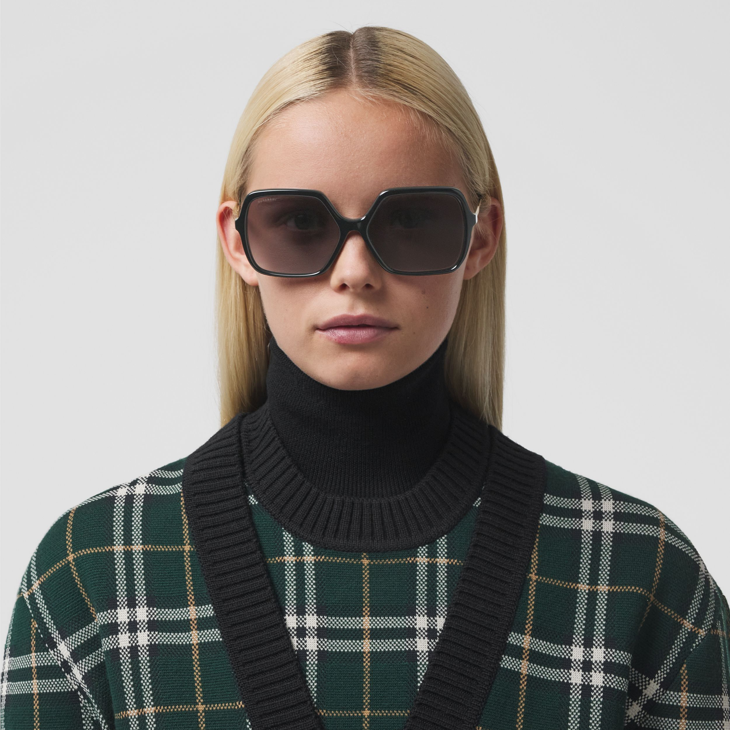 Oversized Square Frame Sunglasses in Black - Women | Burberry United Kingdom - 3