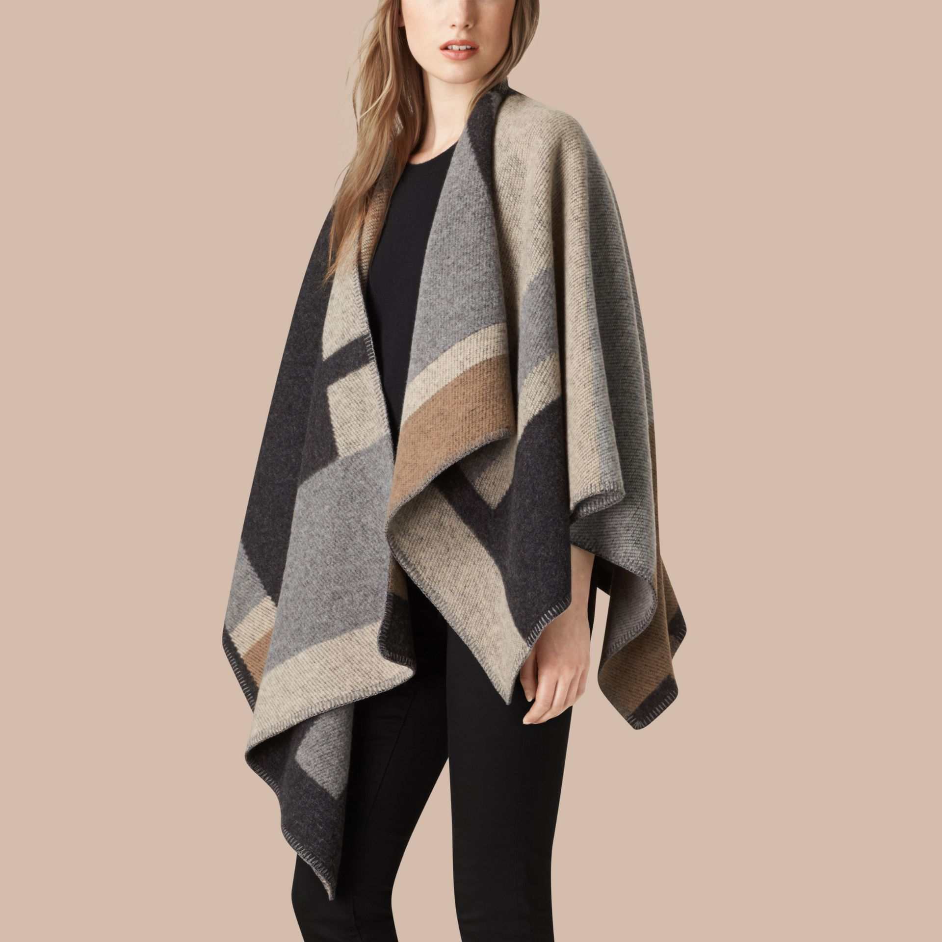 Camelo claro Poncho-manta xadrez em lã e cashmere - galeria de imagens 1