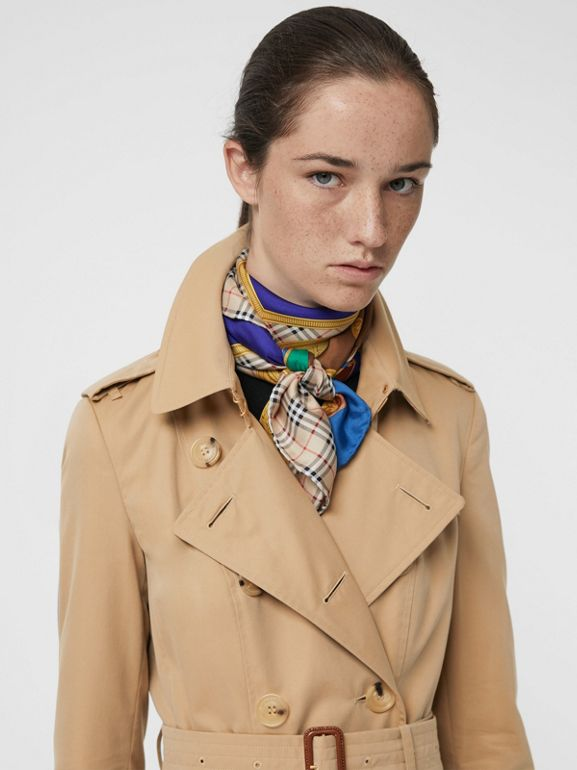 The Long Chelsea Heritage Trench Coat in Honey - Women | Burberry Australia - cell image 1