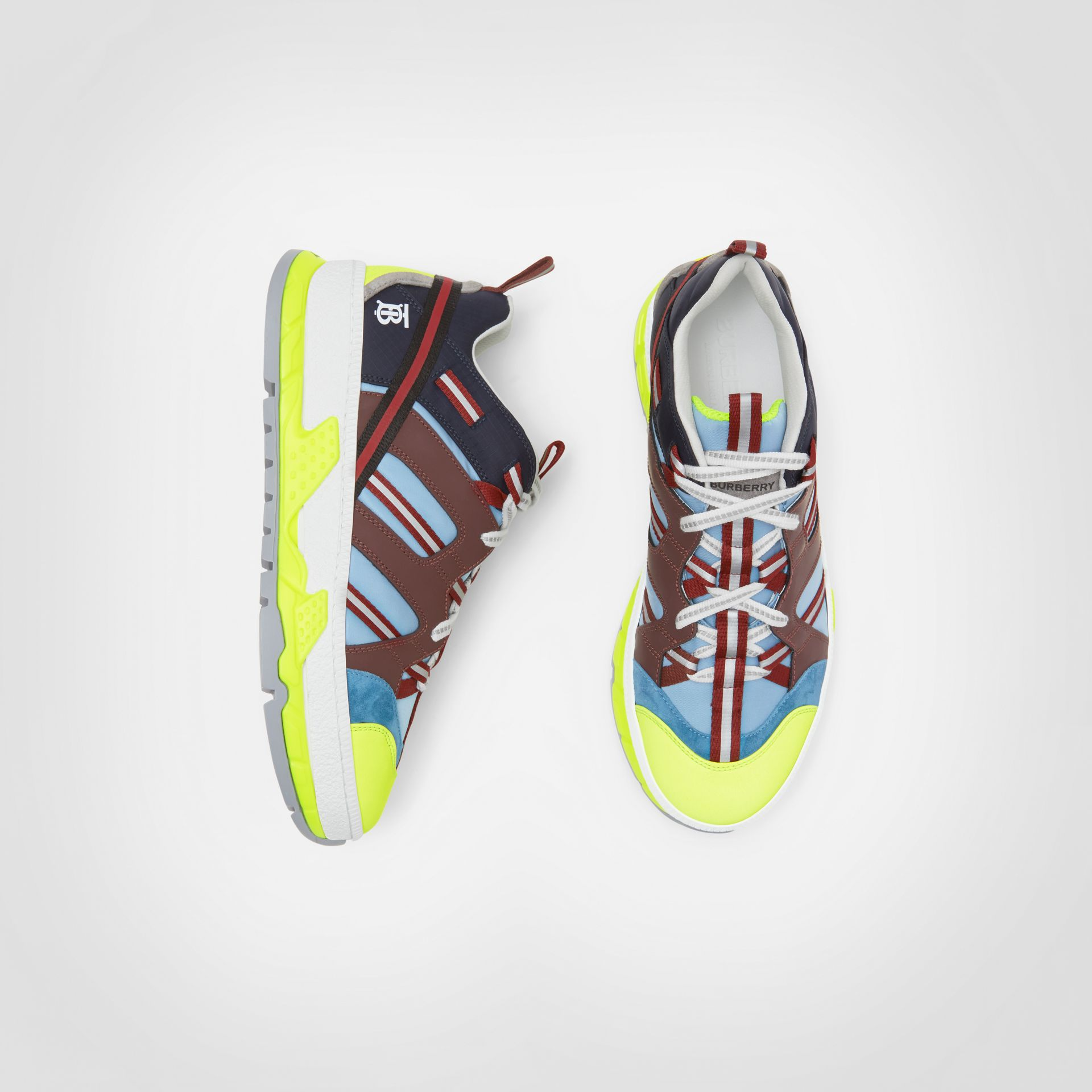 Sneakers Union en nylon, nubuck et cuir velours (Bleu/bourgogne) - Homme | Burberry Canada - photo de la galerie 0