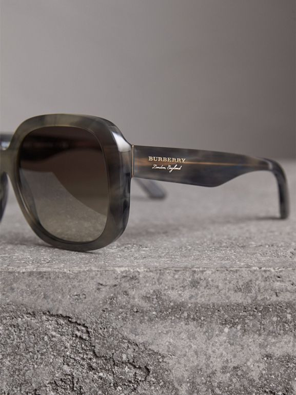 Square Frame Sunglasses in Grey - Women | Burberry - cell image 1