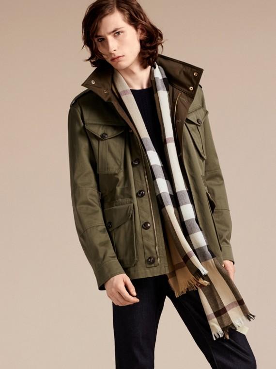 Cammello Sciarpa leggera in lana e cashmere con motivo check Cammello - cell image 3