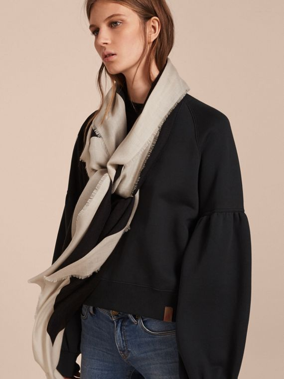 Burberry Print Cashmere Blend Scarf Black/stone - cell image 2
