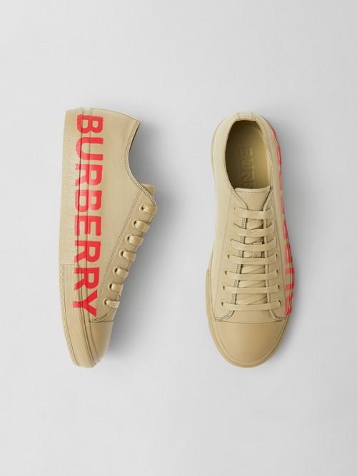 Burberry Sneakers Logo Pr