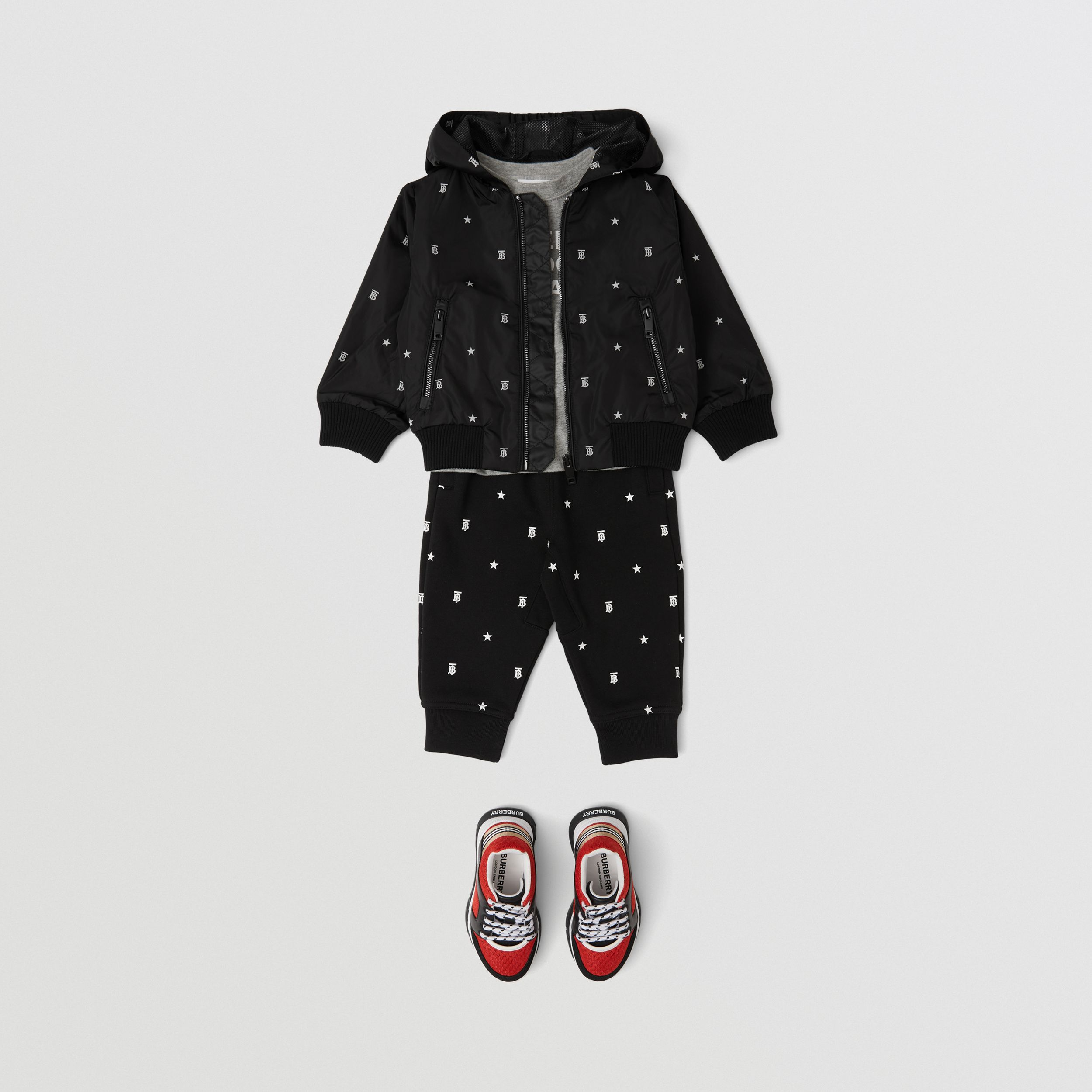 Star and Monogram Motif Lightweight Hooded Jacket in Black - Children | Burberry - 3