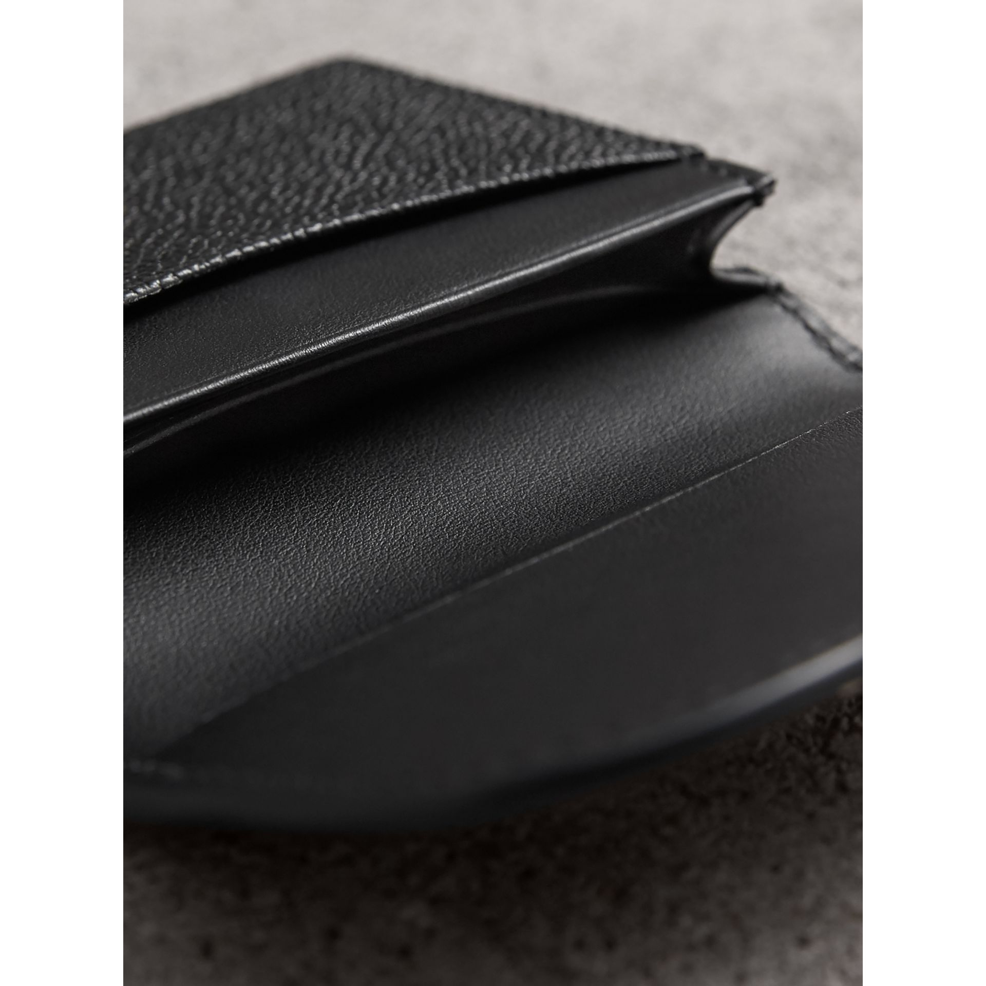 Grainy Leather Card Case in Black - Women | Burberry Singapore - gallery image 3
