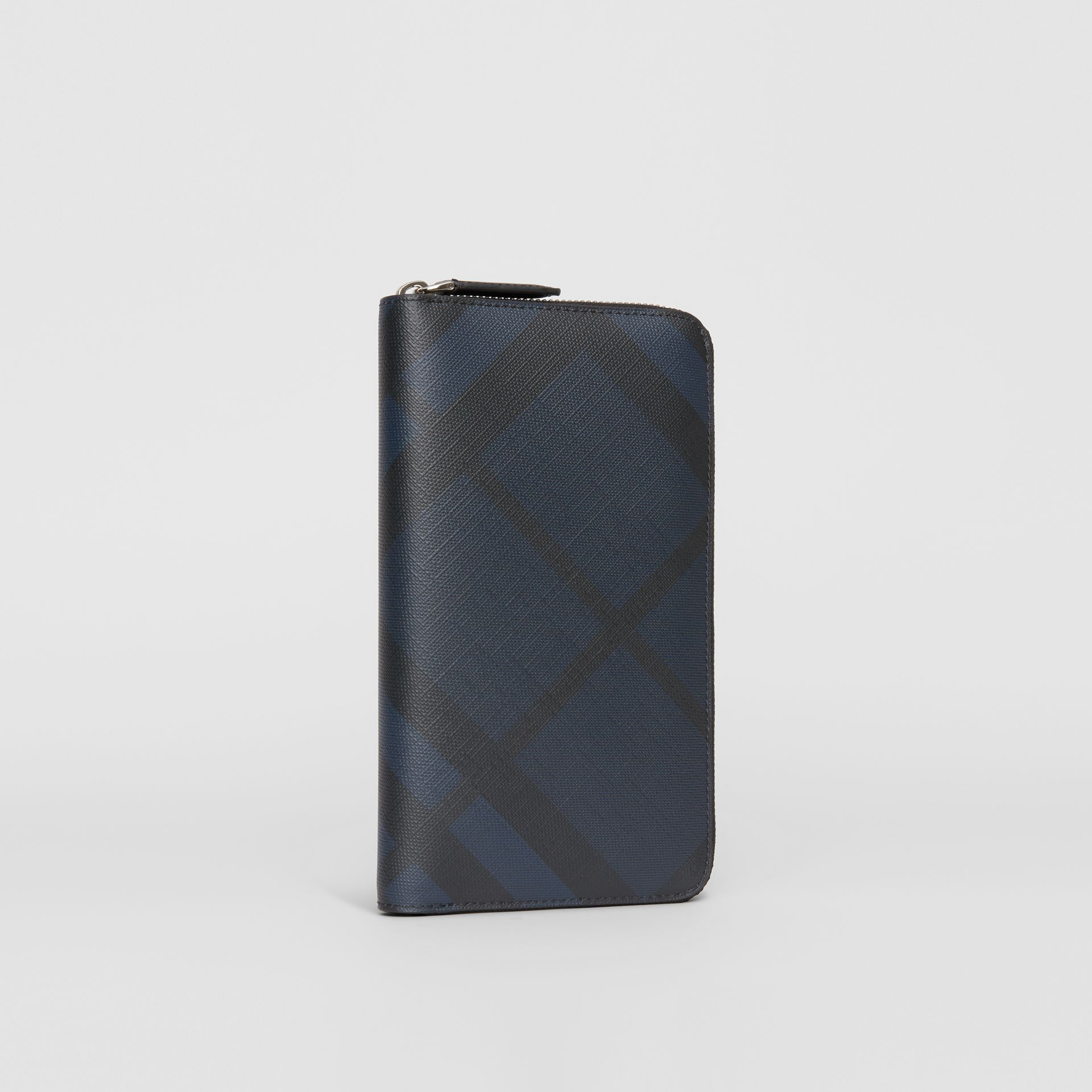 London Check Ziparound Wallet in Navy/black - Men | Burberry - gallery image 4