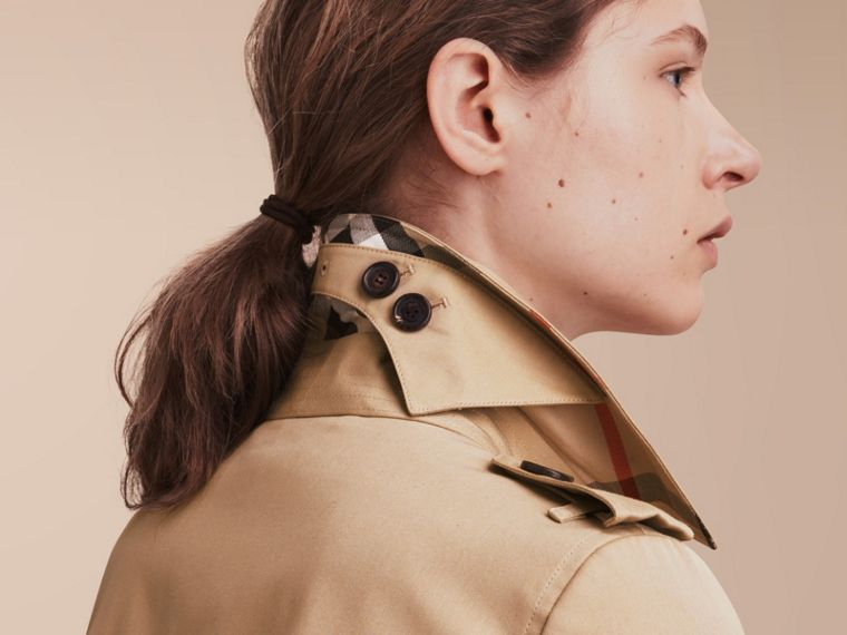 The Chelsea – Long Heritage Trench Coat Honey - cell image 4