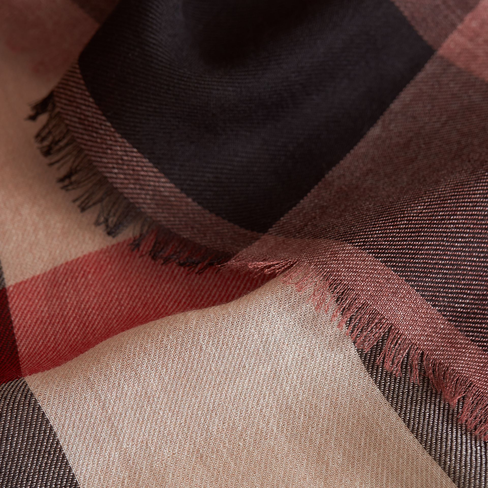 The Lightweight Cashmere Scarf in Ombré Check in Mauve Pink | Burberry Canada - gallery image 4