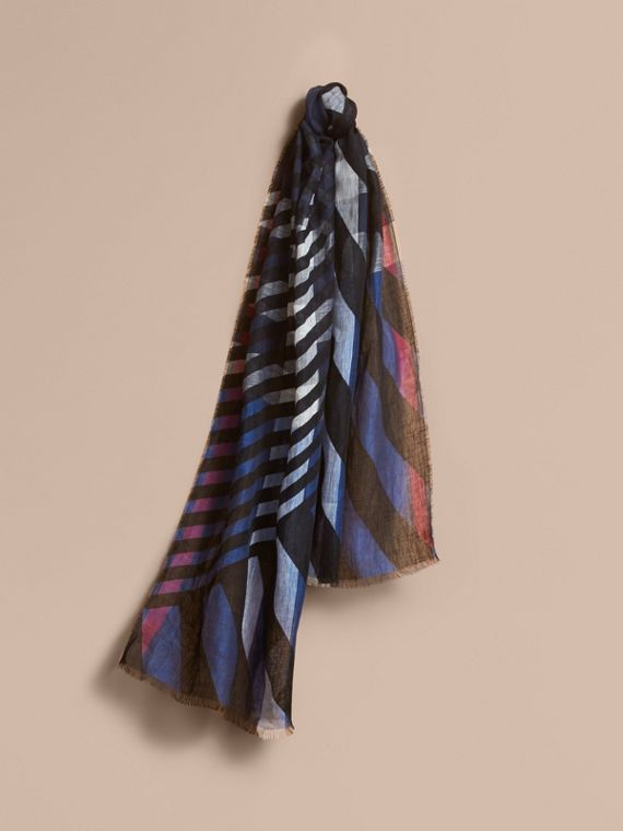 Lightweight Stripe Print Check Linen Scarf in Black/navy
