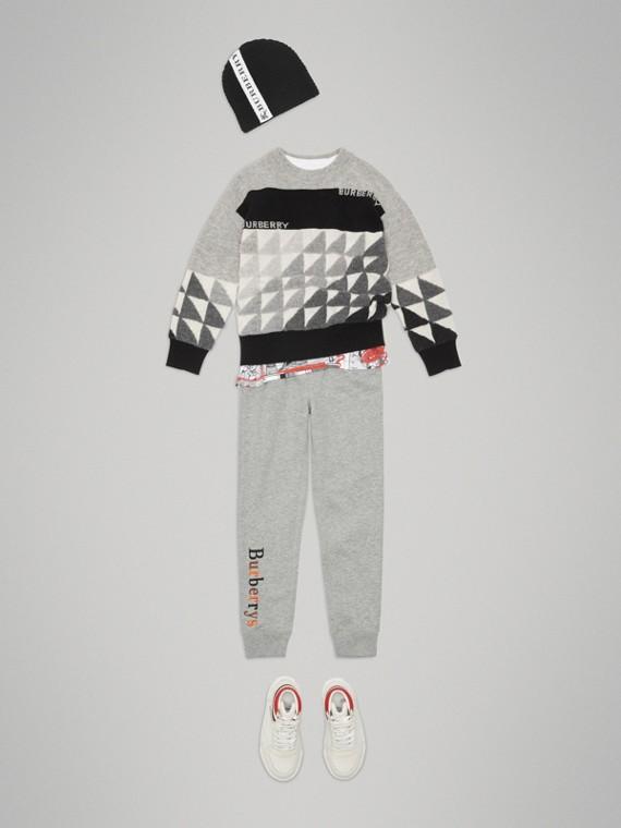 Suéter de cashmere com logo em intársia (Cinza Mesclado)
