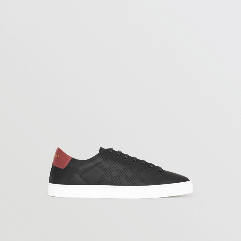 Burberry - Sneakers en cuir à motif check perforé - 5