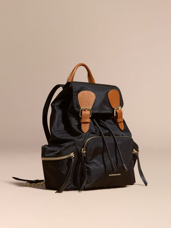 Zaino The Rucksack medio in nylon tecnico e pelle Nero