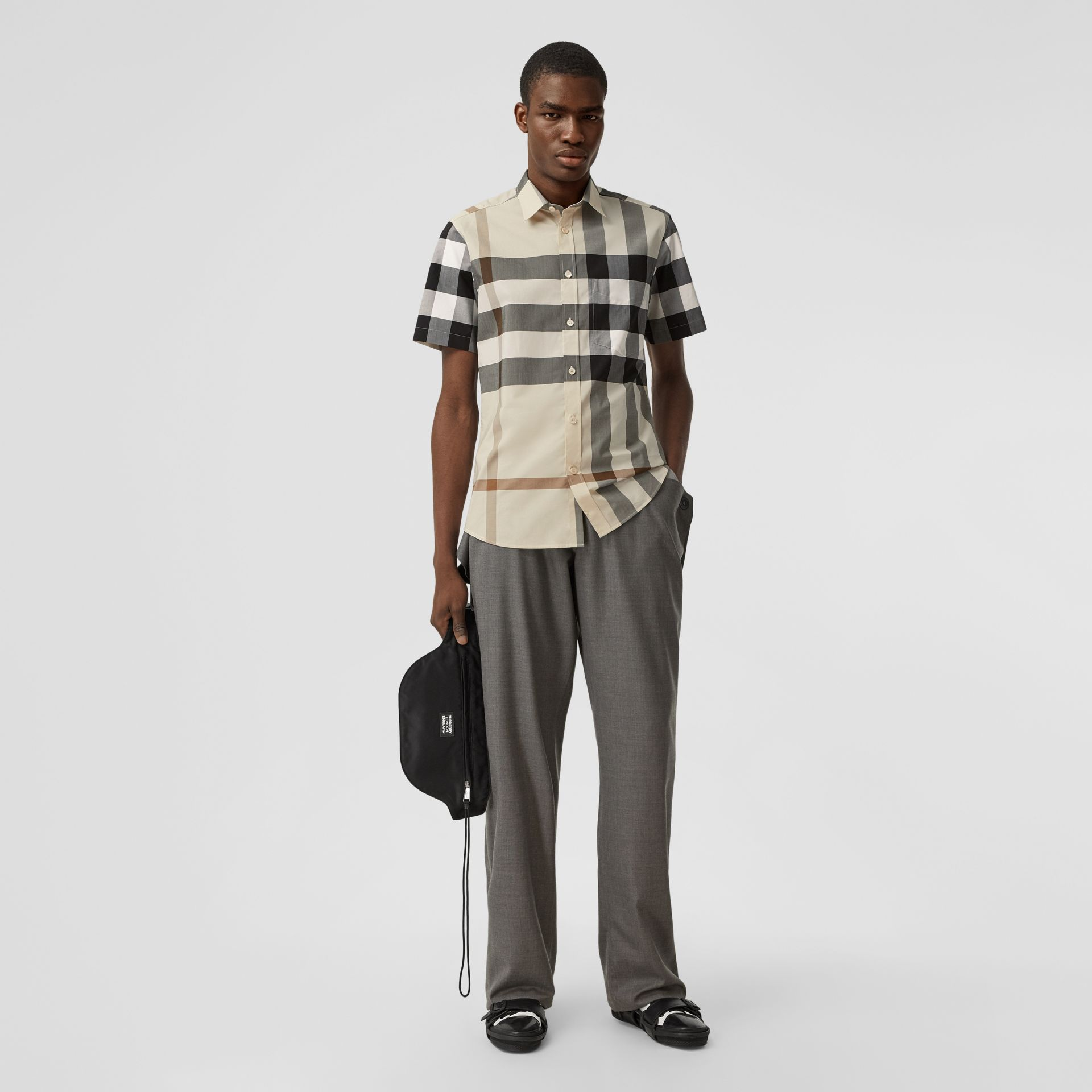 Short-sleeve Check Stretch Cotton Poplin Shirt in Modern Beige - Men | Burberry United Kingdom - gallery image 4