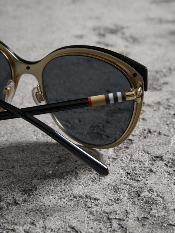 Cat-eye Frame Sunglasses in Black - Women | Burberry Hong Kong - cell image 1
