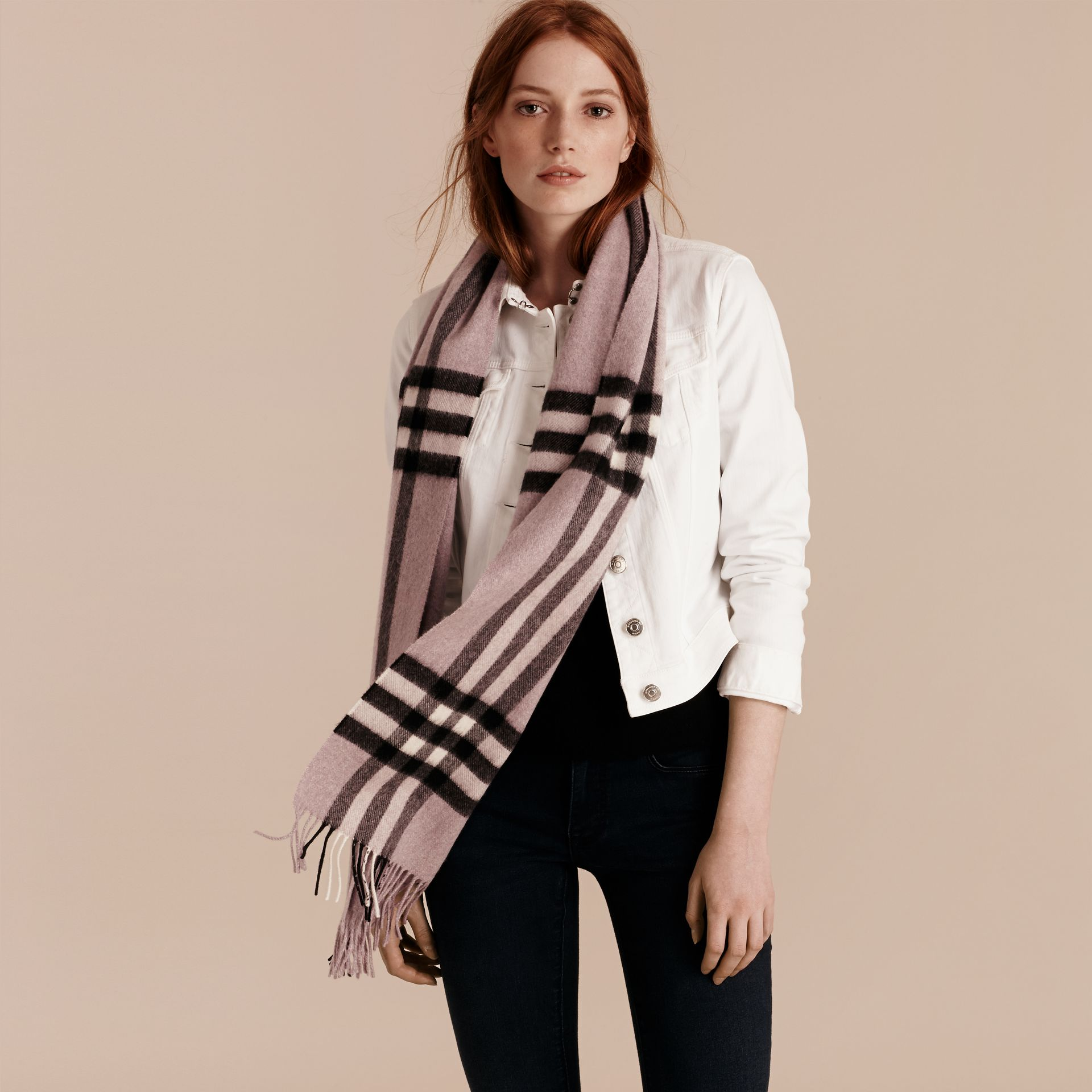 Dusty lilac The Classic Cashmere Scarf in Check Dusty Lilac - gallery image 3