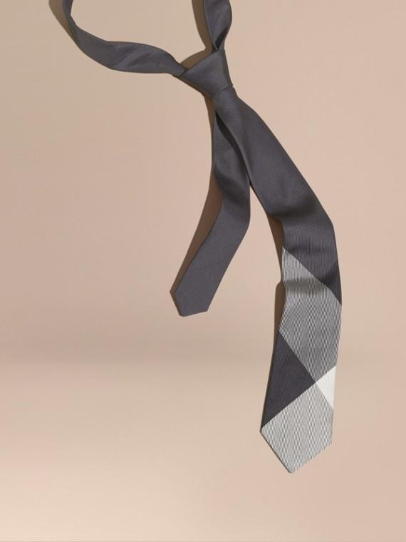 Cravatta dal taglio moderno in seta jacquard con motivo check Grigio Medio