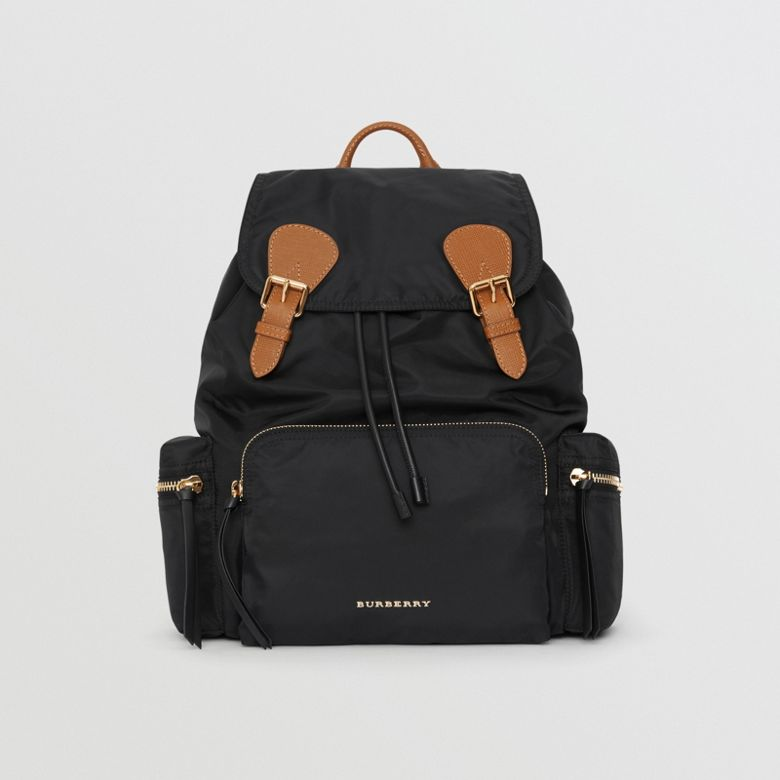 Burberry - Grand sac The Rucksack en nylon technique et cuir - 1