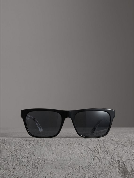 Doodle Square Frame Sunglasses in Black - Men | Burberry - cell image 3