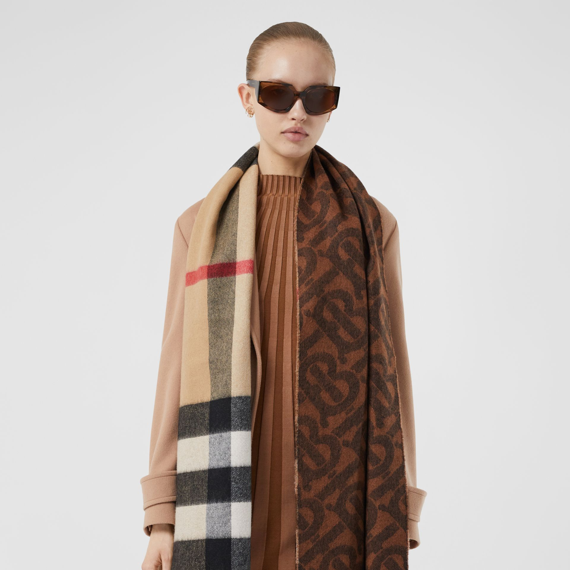 Reversible Check and Monogram Cashmere Scarf in Dark Chestnut Brown | Burberry - gallery image 2