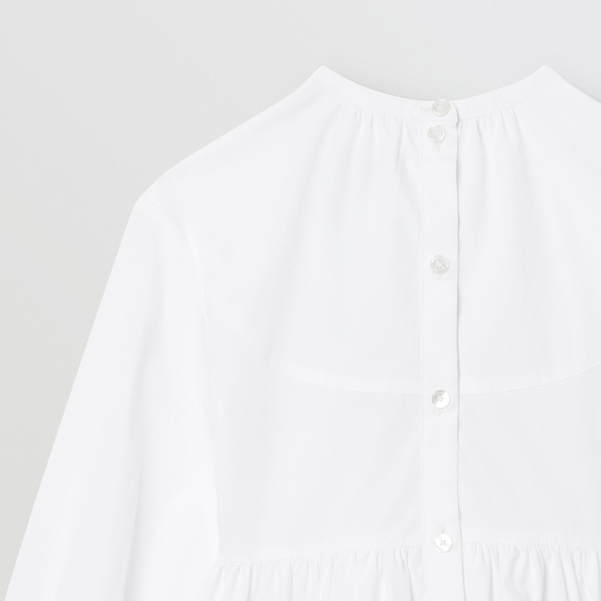 Icon Stripe Trim Stretch Cotton Poplin Dress in White | Burberry United Kingdom - gallery image 5