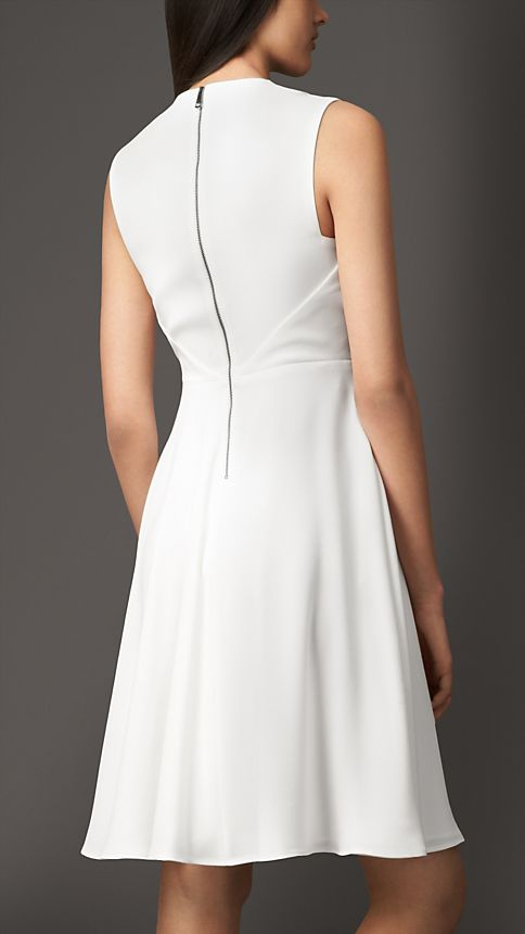 White Split Neckline Satin-Back Crepe Dress - Image 2