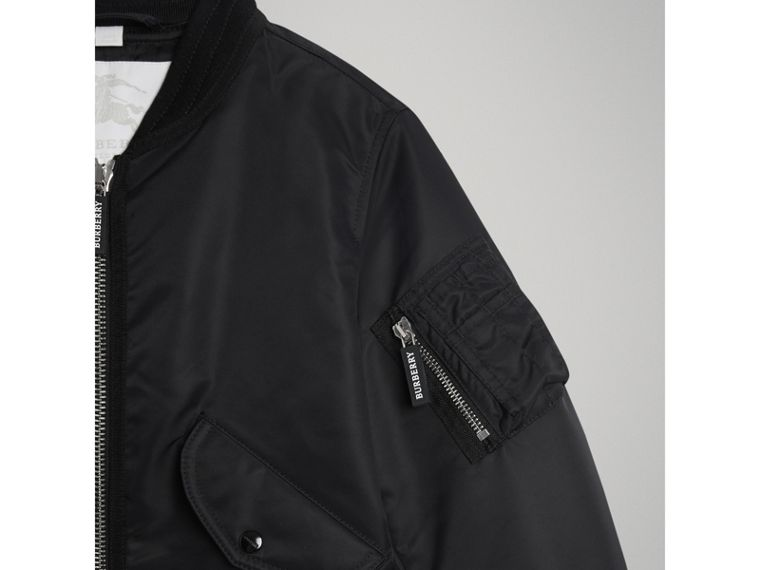 Lightweight Nylon Bomber Jacket in Black - Boy | Burberry Hong Kong - cell image 4