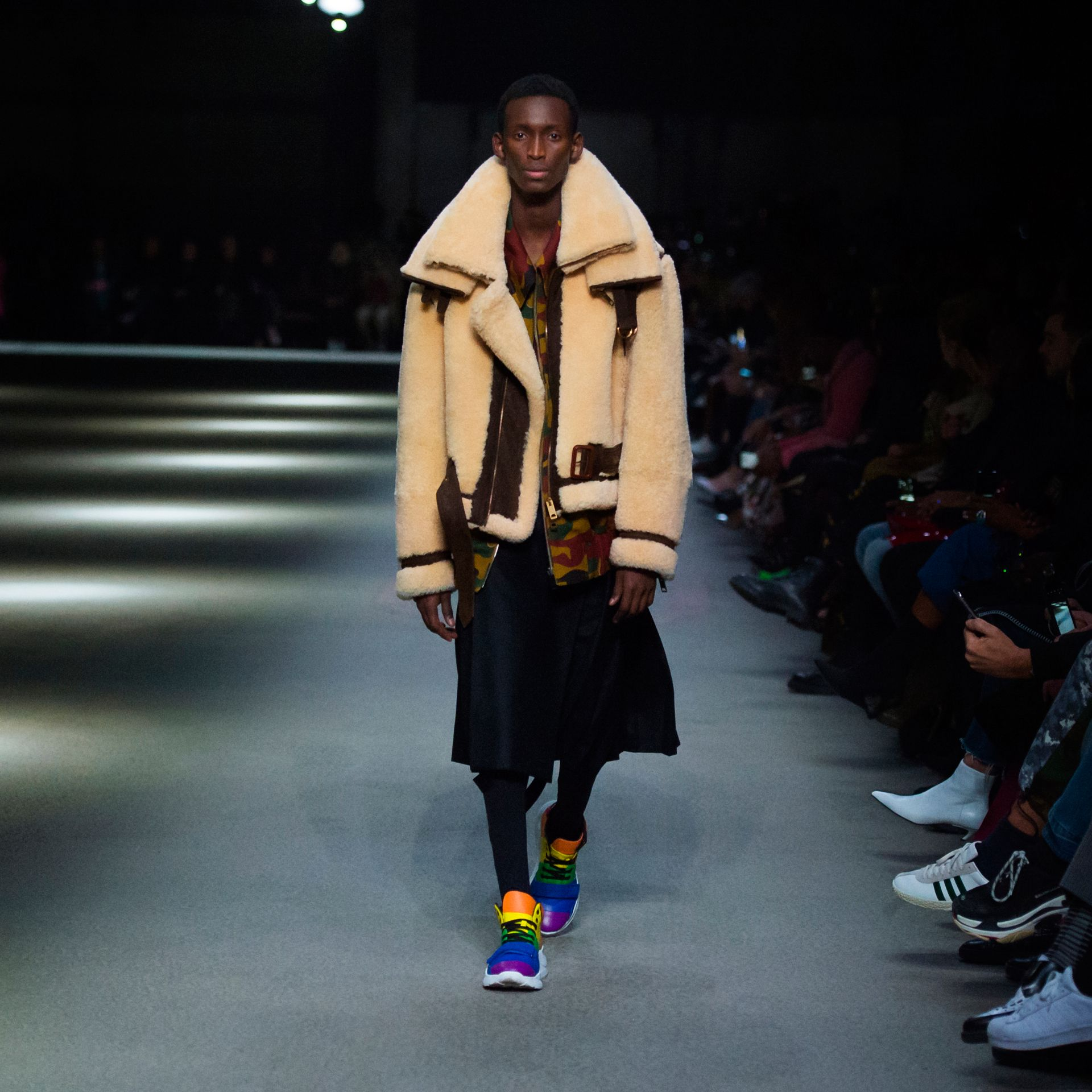 Bombardier en shearling de 2010 revisité (Sable) | Burberry - photo de la galerie 6