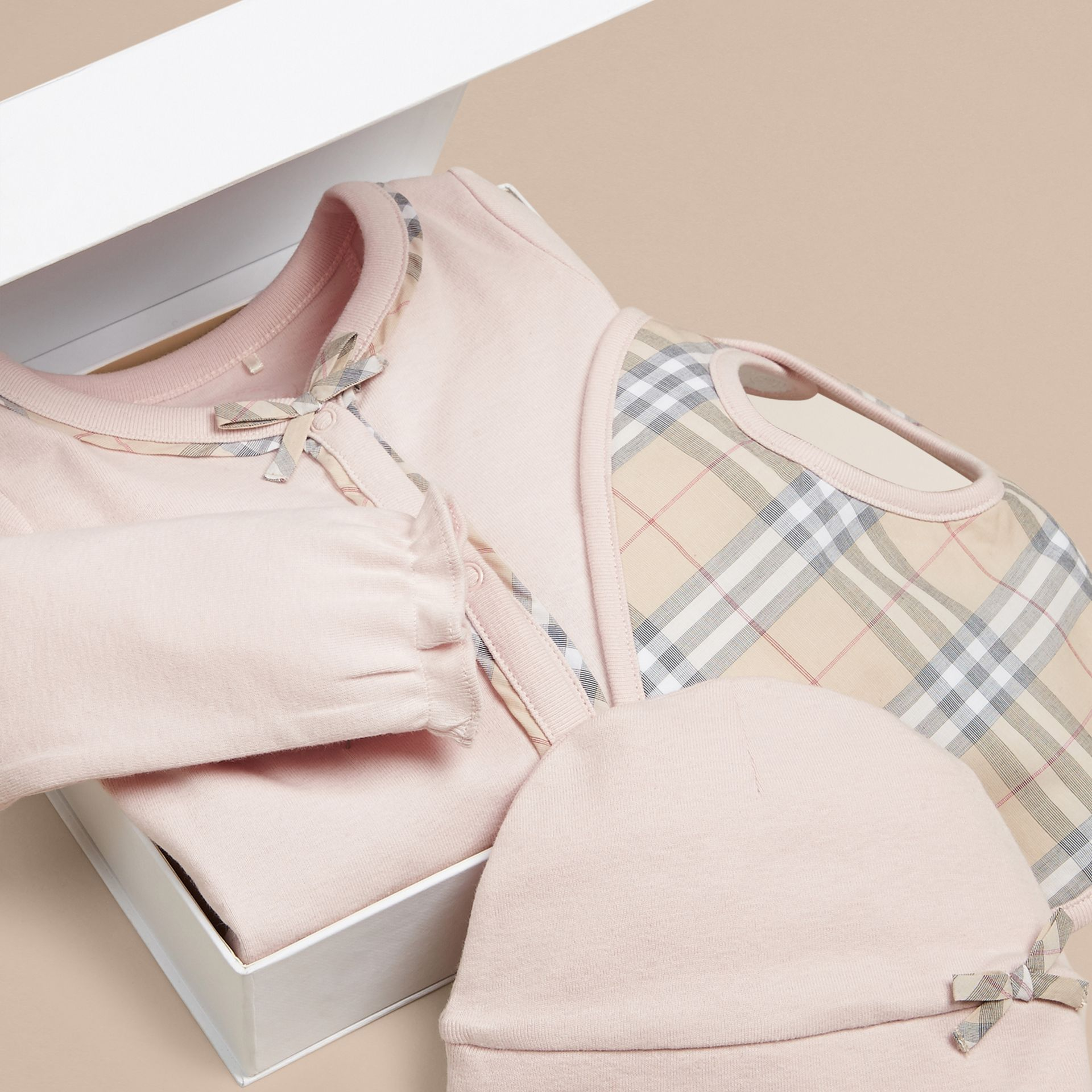 Check Cotton Three-piece Baby Gift Set in Powder Pink - Girl | Burberry Singapore - gallery image 2