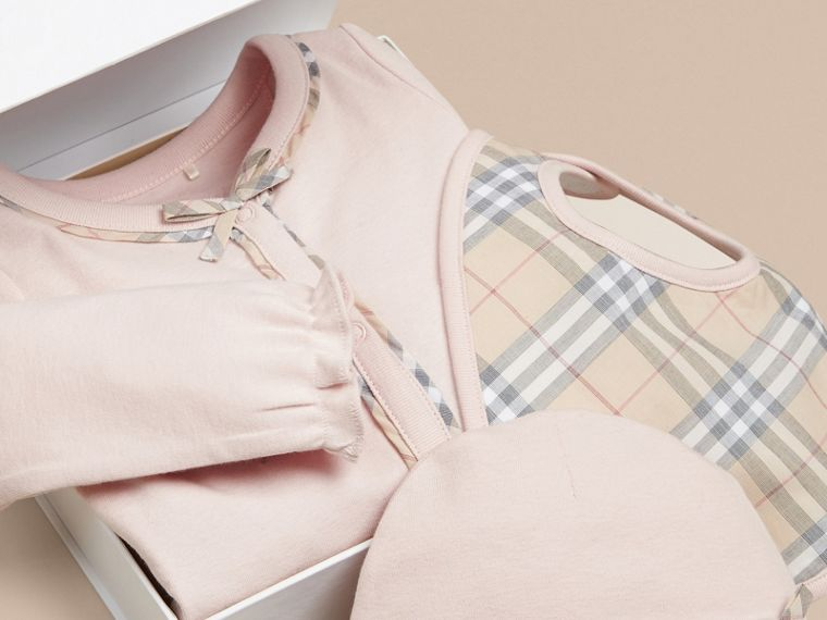 Check Cotton Three-piece Baby Gift Set in Powder Pink - Girl | Burberry - cell image 1