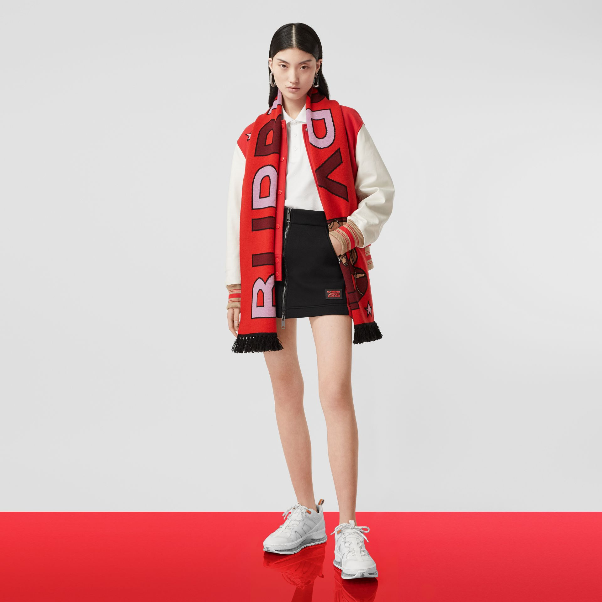 Logo and Monogram Motif Intarsia Cashmere Scarf in Bright Red | Burberry United States - gallery image 9