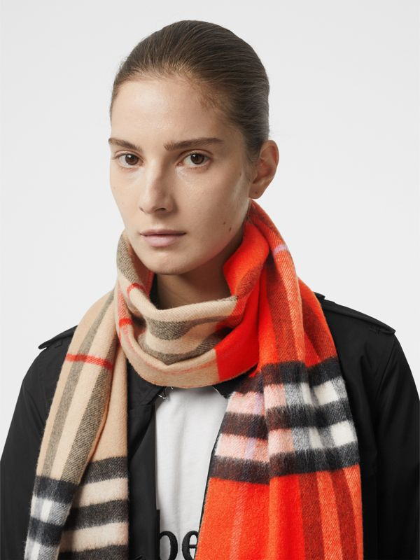Long Reversible Colour Block Double-faced Cashmere Scarf in Bright Orange Red | Burberry - cell image 2