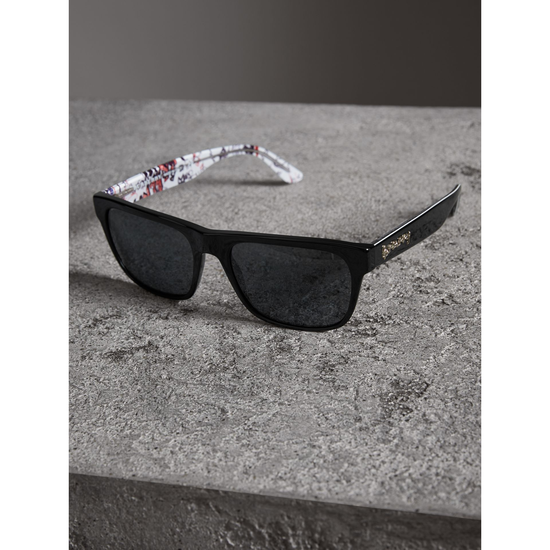 Doodle Square Frame Sunglasses in Black - Men | Burberry United States - gallery image 2