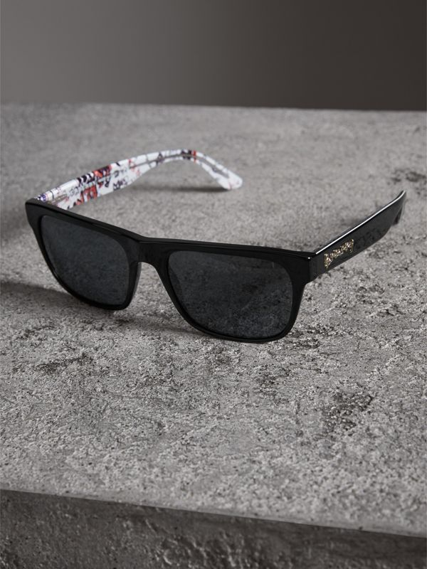 Doodle Square Frame Sunglasses in Black - Men | Burberry United Kingdom - cell image 2