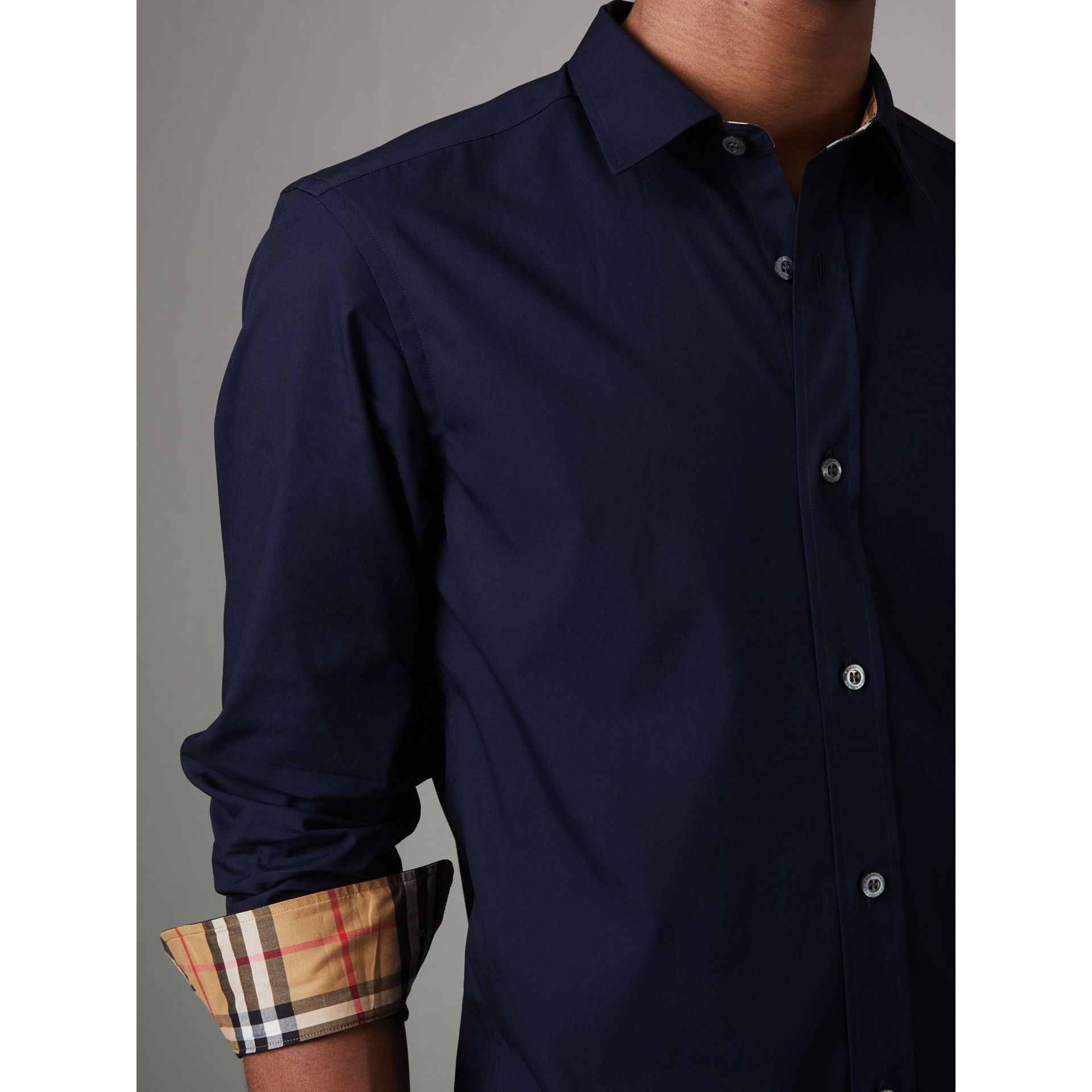 Check Cuff Stretch Cotton Poplin Shirt in Navy - Men | Burberry - gallery image 4