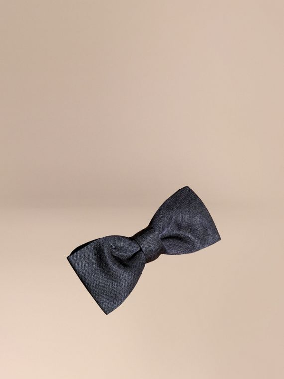 Silk Bow Tie in Midnight