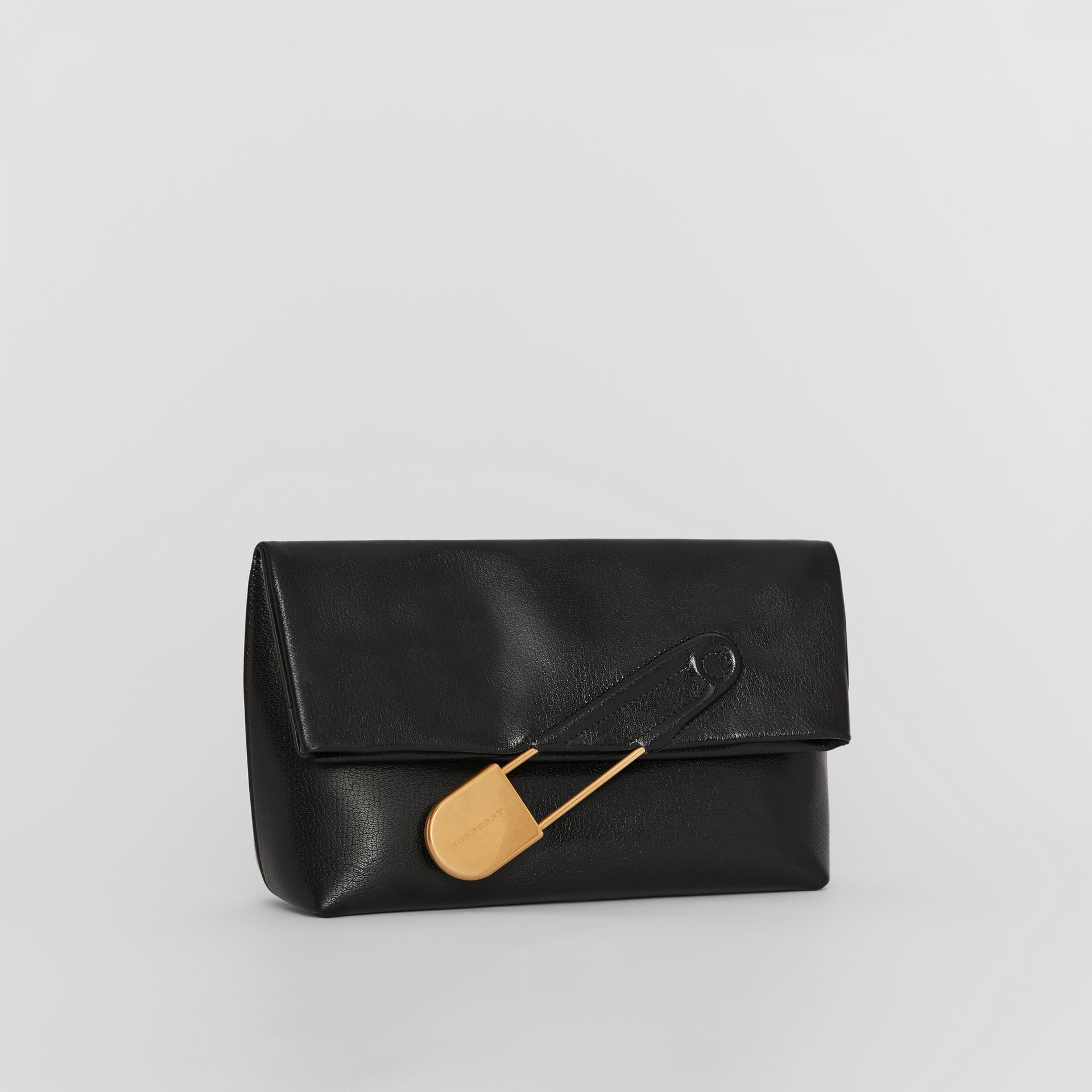 The Medium Pin Clutch aus Lackleder (Schwarz) - Damen | Burberry - Galerie-Bild 5