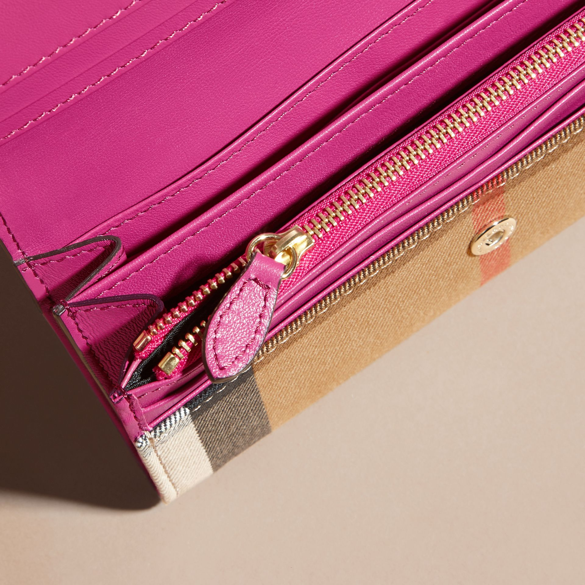 Brilliant fuchsia House Check and Leather Continental Wallet Brilliant Fuchsia - gallery image 4