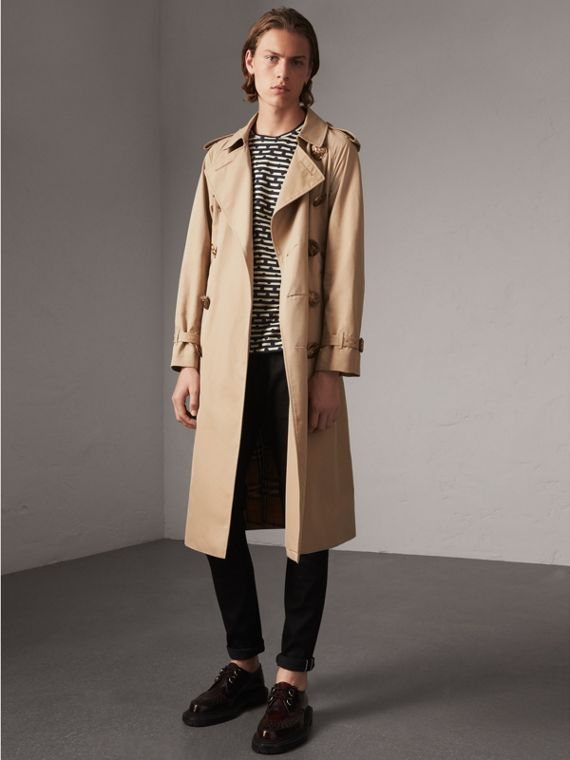 Trench coat in gabardine di cotone con bottoni decorati (Miele)