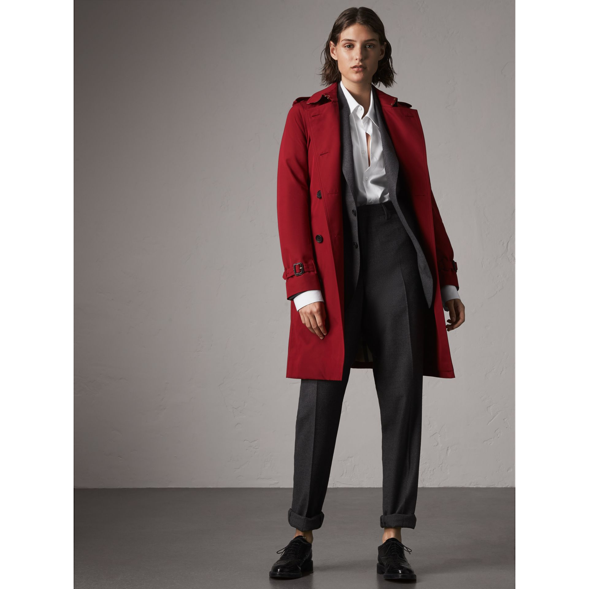 The Kensington – Long Trench Coat in Parade Red - Women | Burberry - gallery image 1