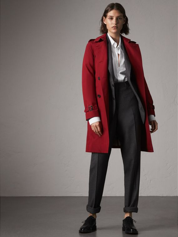 The Kensington – Long Heritage Trench Coat in Parade Red