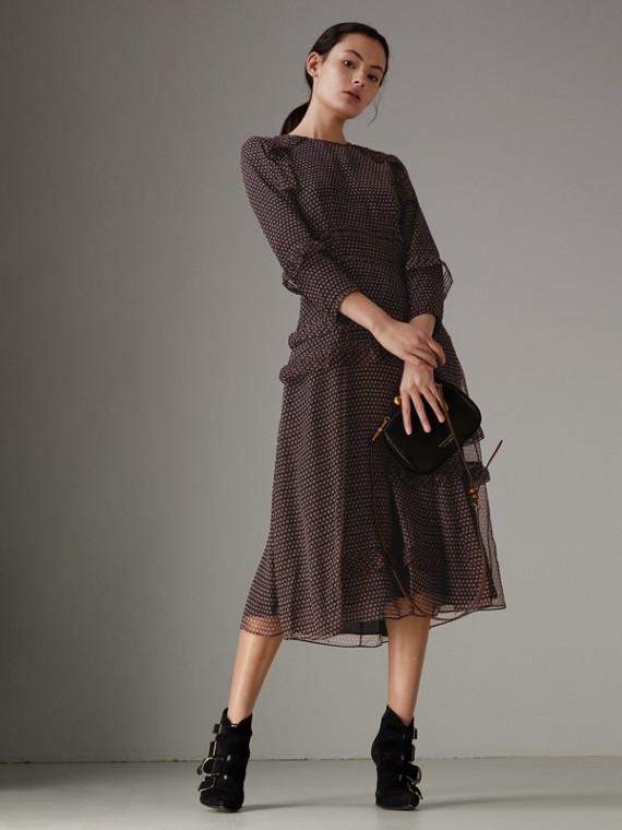 長袖褶飾細節圓點印花絲綢洋裝 (繽紛鮮紅色)