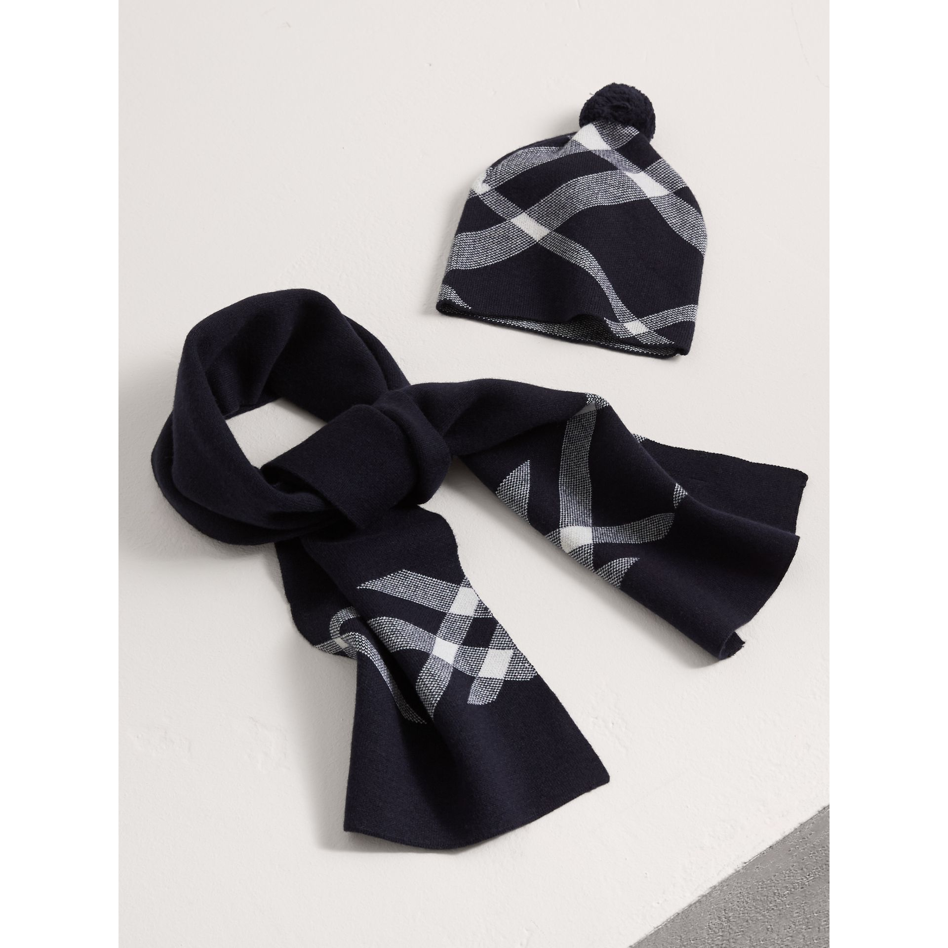 Check Cotton Cashmere Two-piece Gift Set in Navy | Burberry - gallery image 1