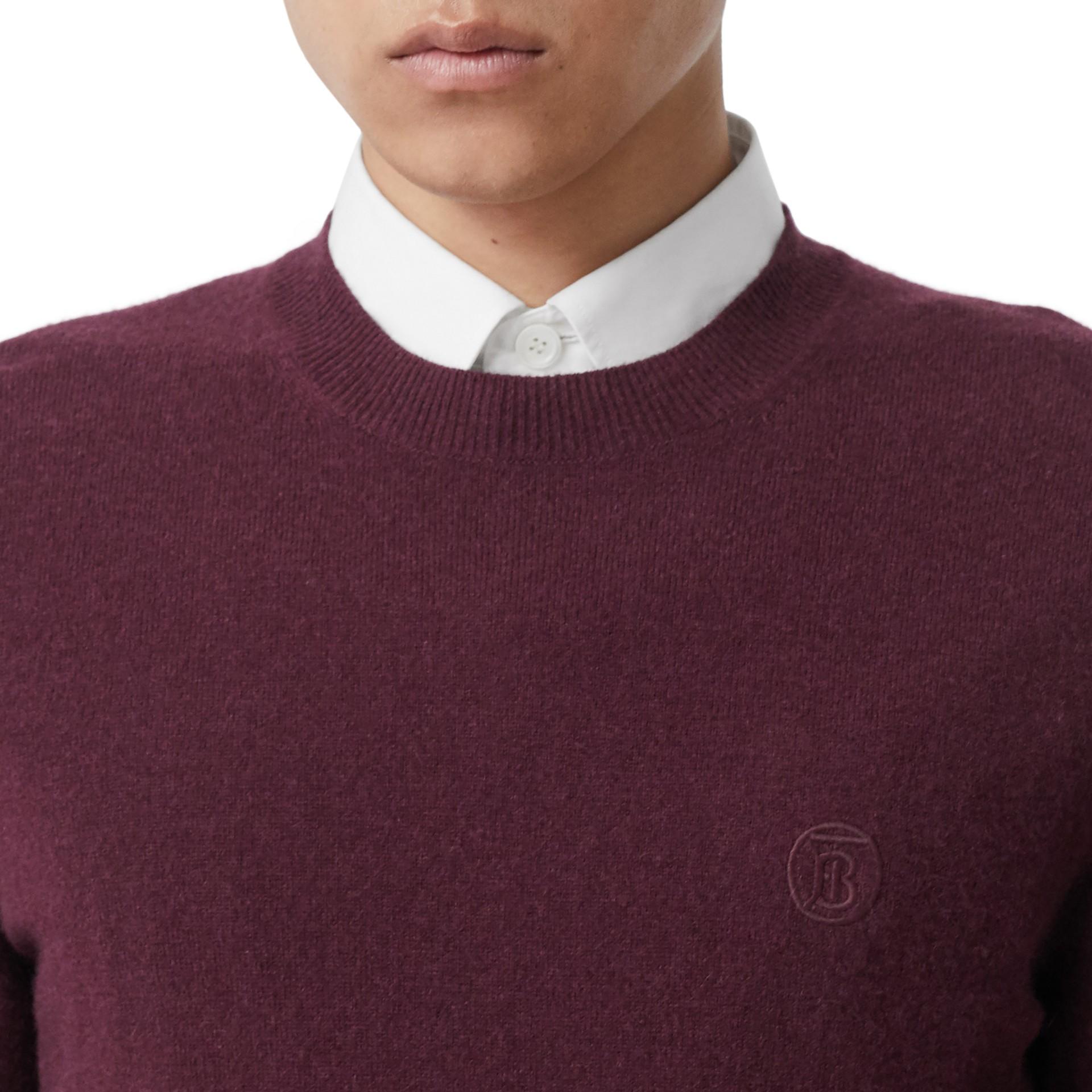 모노그램 모티프 캐시미어 스웨터 (버건디) - 남성 | Burberry - 갤러리 이미지 1
